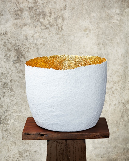 """Edge Cut""White & Gold Paper Pulp Pot"