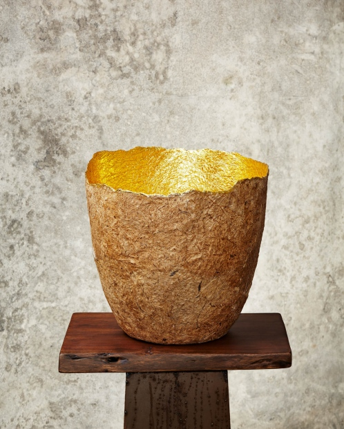 """Edge Cut""Natural & Gold Paper Pulp Pot"