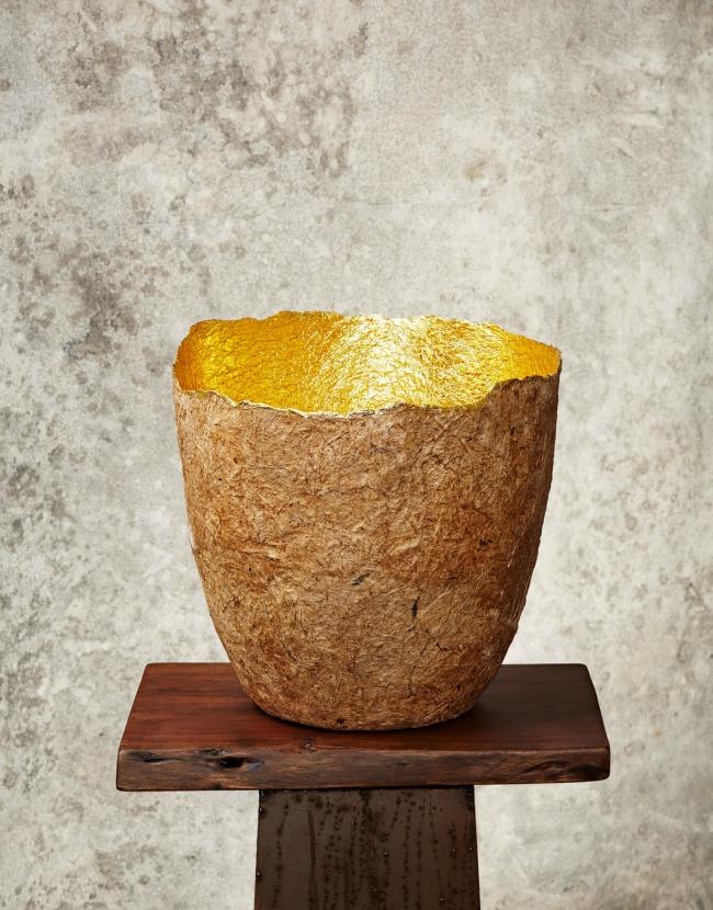 """""""Edge Cut""""Natural & Gold Paper Pulp Pot"""